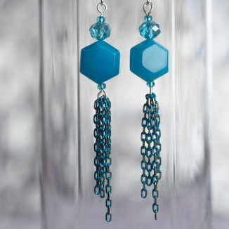 Suanovine earrings with crystal and chain