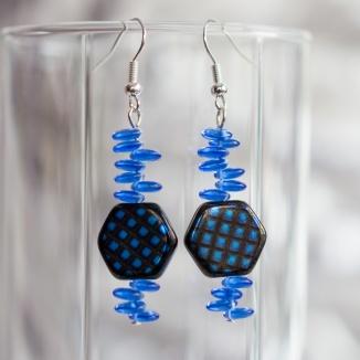 Fronsinine earrings with lentil beads