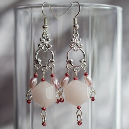 Circarine earrings with a chadelier of pearls