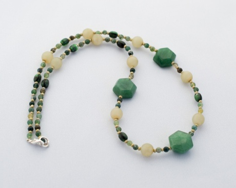 Manutine necklace with jade, agate and malachite